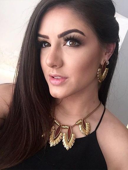 Naya Carvalho